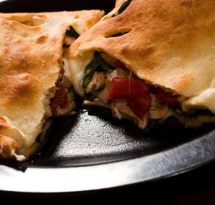 Pizza Mondo calzone