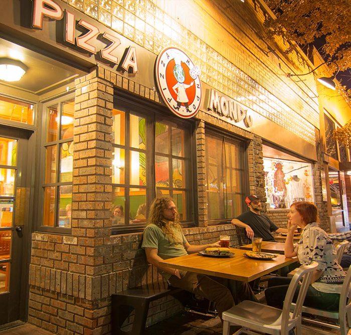 Pizza Mondo exterior